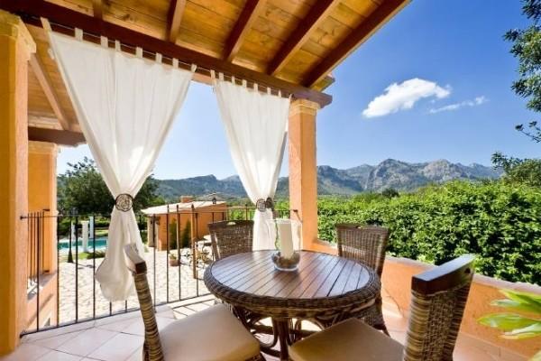 Villa exclusiva con maravillosas vistas a las montañas