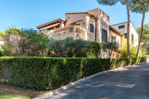 Precioso chalet con vistas al mar en el complejo residencial cerca del Country Club en Santa Ponsa