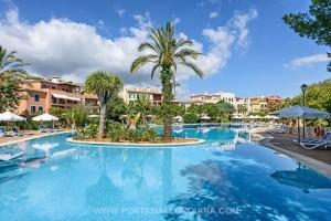 Este elegante apartamento está situado en un complejo residencial exclusivo en la zona privilegiada de Bendinat.