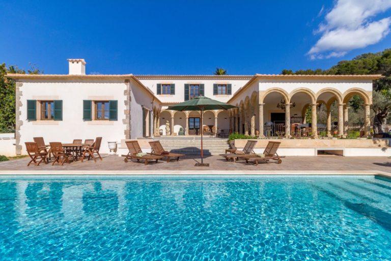 Los tiempos de fincas extensas con grandes piscinas en Mallorca han llegado a su fin. Las nuevas leyes limitan significativamente las superficies construidas.