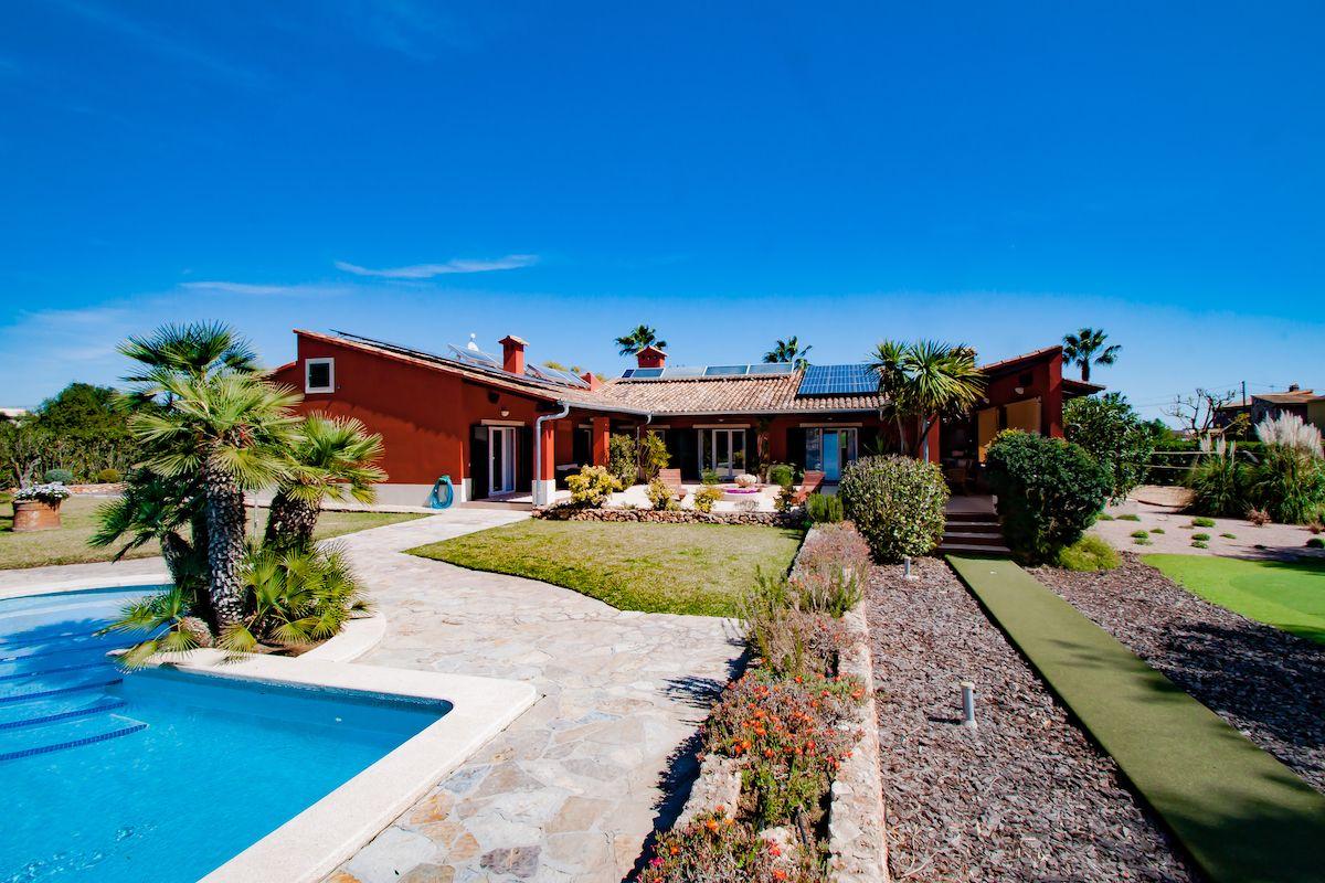 Chalet único con sauna privada, campo de golf y mucho más en Cala Murada