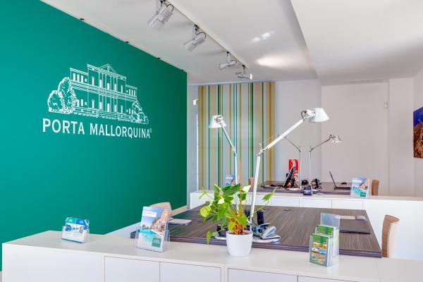 La tienda inmobiliaria Porta Mallorquina en Santa Ponsa abrió en 2012 y goza de una excelente reputación.