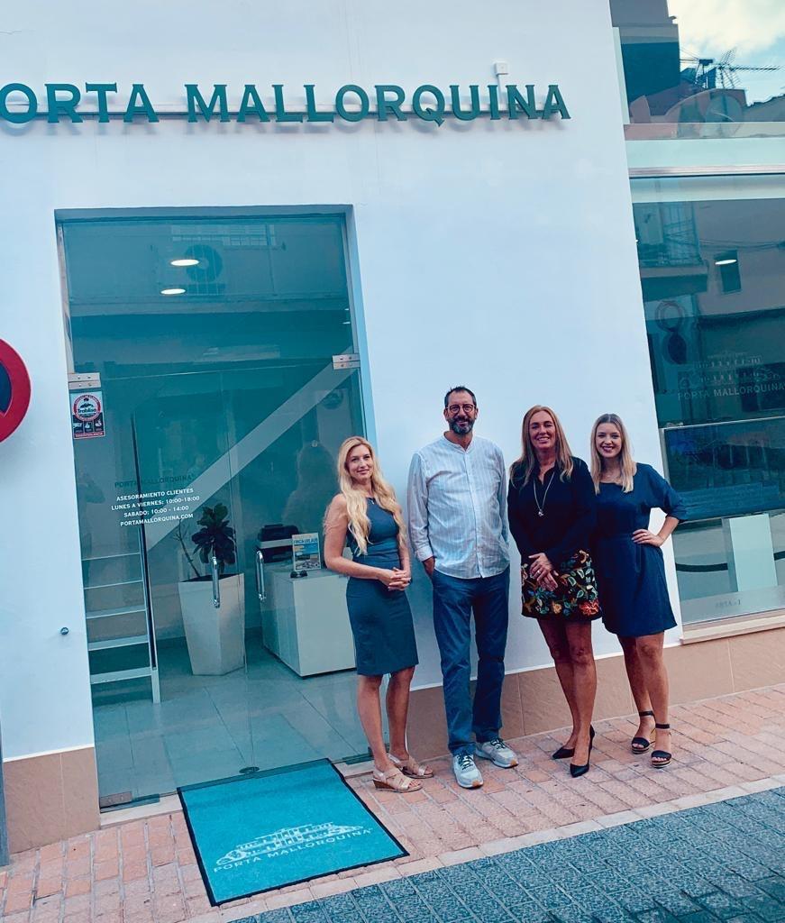 El nuevo equipo de Porta Mallorquina en Port d'Andratx (de izquierda a derecha): Stephanie Mohr, Michael Altenbeck, Linda Meurs y Ester Breitenbach.