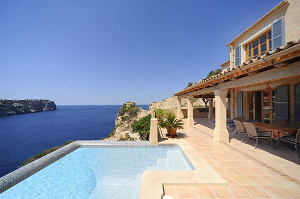 Villa exclusiva con la vista al mar en Puerto Andratx