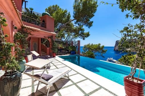 Terraza y piscina maravillosa