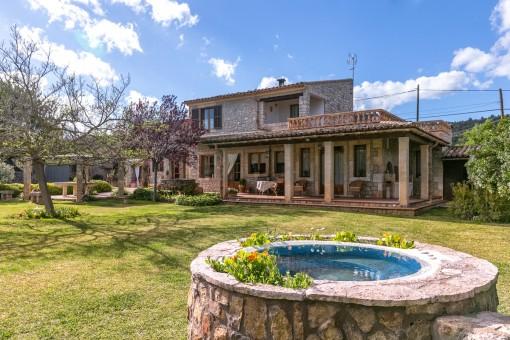 Bonita casa con terreno grande en Binissalem