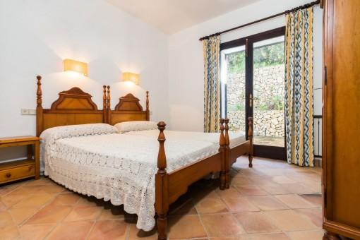 Luminoso dormitorio doble con terraza