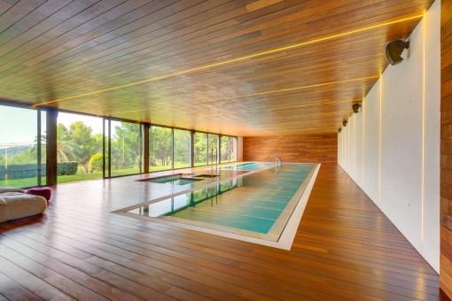 Sensational piscina interior