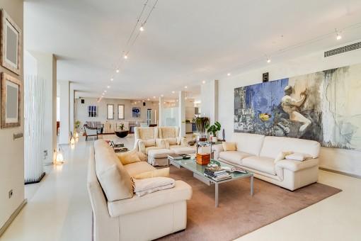 Generosa sala de estar