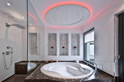 Atractivo baño principal