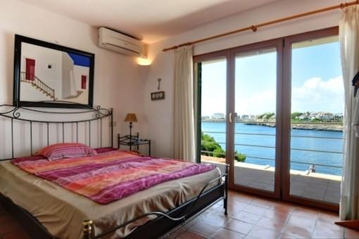 Dormitorio principal con vistas al mar