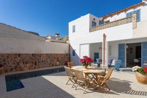 Casa de pueblo cerca del mar, completamente reformada con piscina y vistas maravillosas en Colonia de Sant Pere