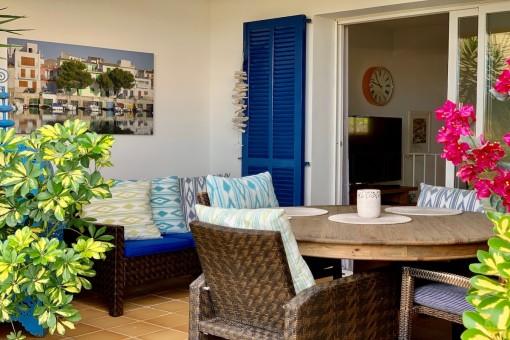 Adosado mediterráneo en un excelente complejo residencial con piscina comunitaria en Portocolom