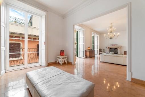 Elegante apartamento de 3 niveles, con una fantástica vista de la Catedral y el Mar en el barrio de La Lonja