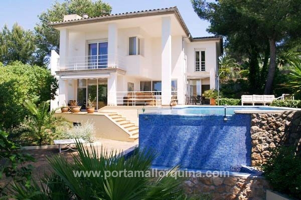 Villa costa de la calma villa con mucha luz en estilo - Plan de maison luxueuse ...