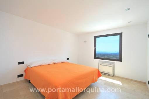 chalet minimalista de nueva construcci n con unas vistas impresionantes comprar. Black Bedroom Furniture Sets. Home Design Ideas