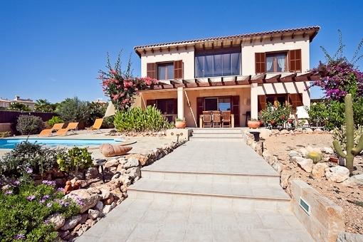 Villa en perfectas condiciones y con vistas al mar en Cala Pi