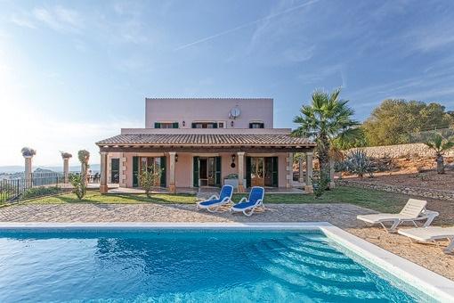 Finca con piscina grande en Son Macia y con vistas espectaculares de Mallorca