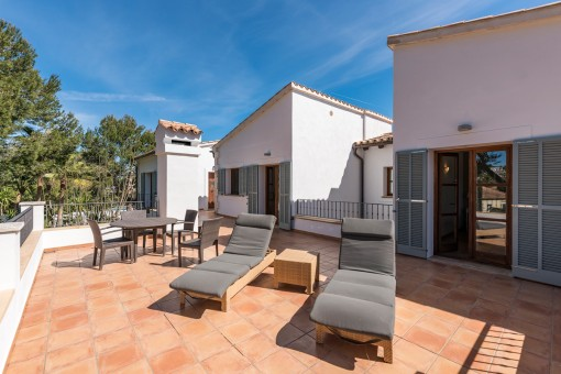 Fantástica terraza con amplio espacio