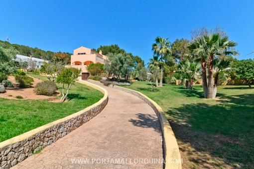 Muy bien cuidada villa al mar con jardín en una tranquila zona residencial