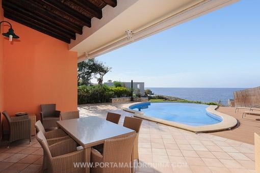 Villa de estilo mediterráneo con acceso al mar en Santa Pona