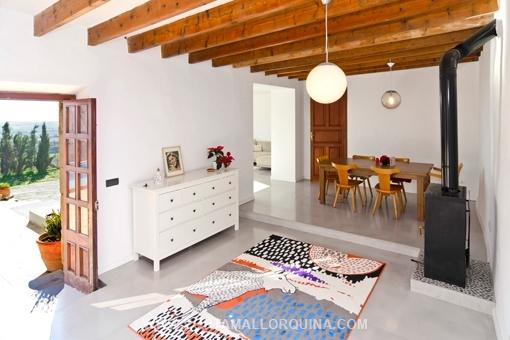 Casas antiguas reformadas top casa reformada en with for Interiores de caravanas reformadas