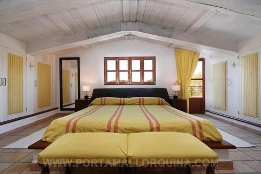 Elegante dormitorio principal