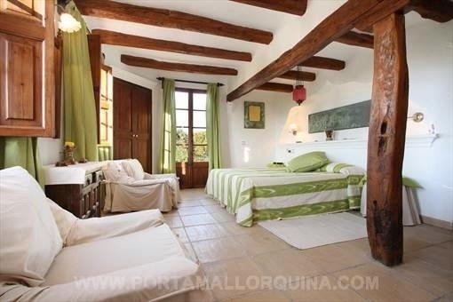 Uno de los encantadores dormitorios