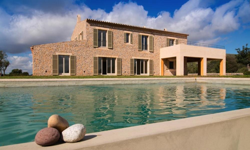 Finca mediterránea de construcción nueva con vistas incomparables