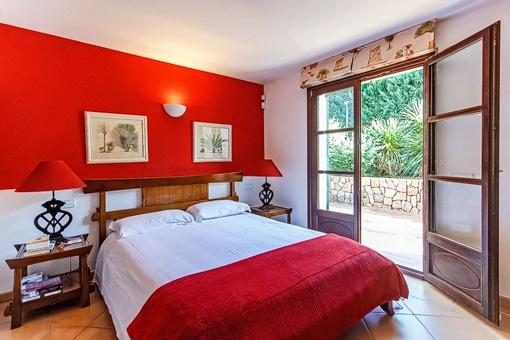 Dormitorio de huespédes con accesso a la terraza