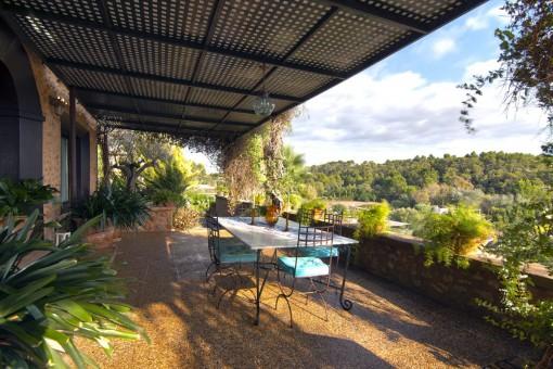 Terraza cubierta en una ubicación preciosa