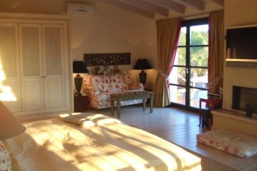 Espacioso dormitorio principal