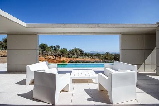 Vistas a la piscina desde la terraza