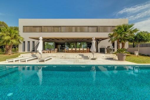 Villa de estilo moderno en construcción en excelente ubicación en Santa Ponsa