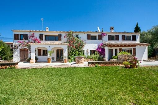 Vista exterior de la casa en Sa Cabaneta
