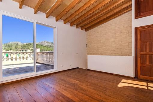 Salón o tercer dormitorio en la planta superior
