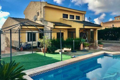 Bonita casa unifamiliar con piscina en Bahía Grande