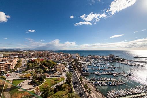 Piso precioso y luminoso en planta 12 con estupendas vistas al mar - Portixol