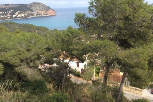 Vistas al mar mediterráneo desde el terreno