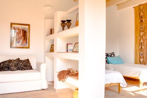 Salón abierto con dormitorio