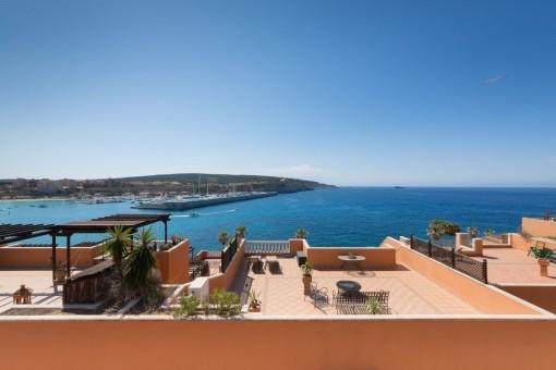 Ático espléndido en Nova Santa Ponsa con vistas a Port Adriano