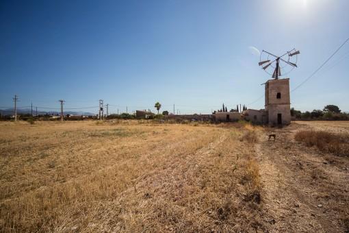Molino antiguo está situado en el terreno