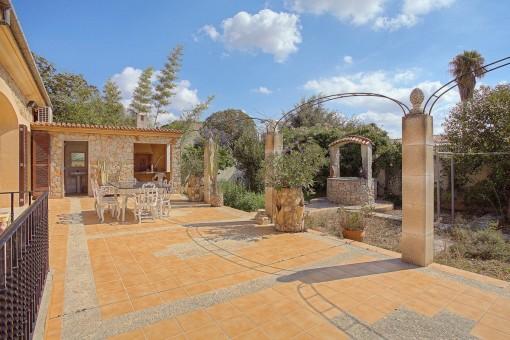 Gran casa de pueblo luminosa con garaje y la posibilidad de construir una piscina en Binissalem