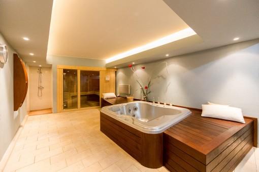 Piscina y sauna privada