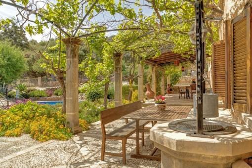 Terraza con fuente privada