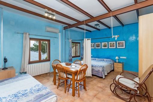 Dormitorio principal con dos camas