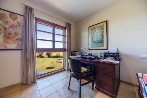Oficina con vistas al jardín