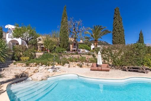 Finca romántica con vistas panorámicas en el precioso pueblo de Es Capdellà