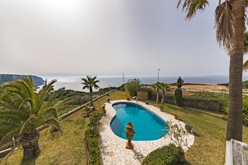 Chalet de ensueño en primera línea de mar con vistas espectaculares a la bahía de Palma
