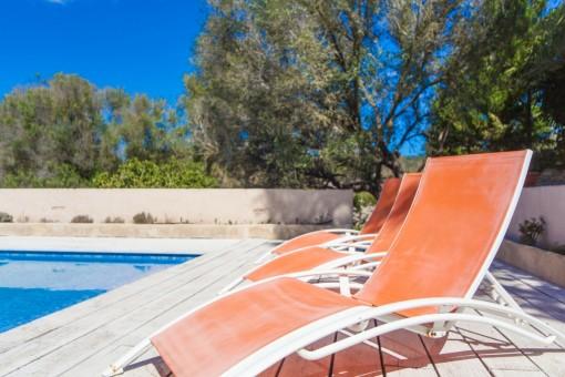 Vista detallada de la piscina